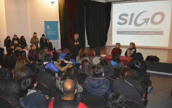 La clase inicial del SIGO tuvo 300 estudiantes en Río Gallegos