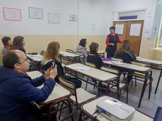 """Municipales realizan taller sobre """"herramientas básicas para optimizar la redacción administrativa"""""""