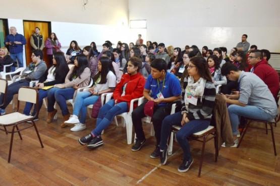 Estudiantes que participarán de la Mesa de Gestión del Parlamento del Mercosur.