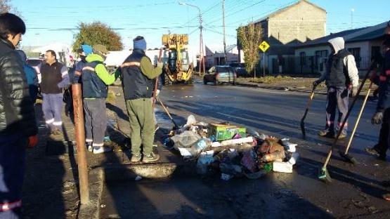 Con empresas privadas el Municipio puso en marcha el operativo de limpieza
