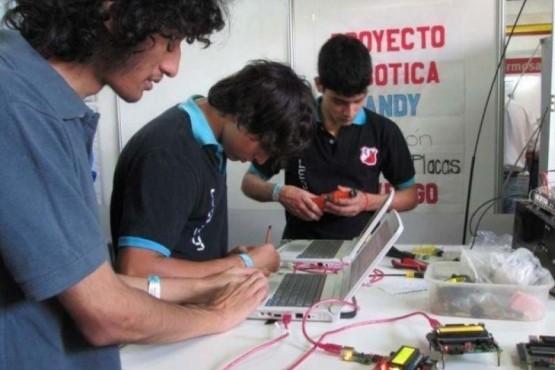 El programa tiene por objetivo el desarrollo de proyectos que vinculen la educación técnica con el empleo y el desarrollo tecnológico. (Foto: Ilustrativa)