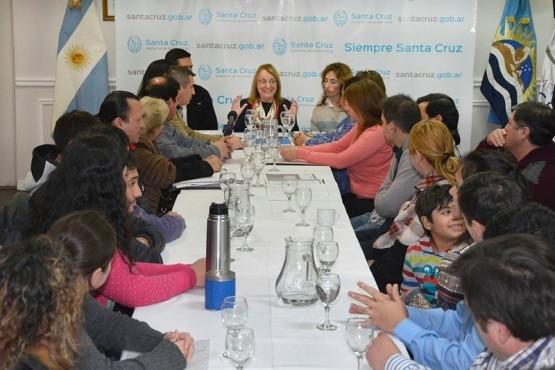 Alicia Kirchner se reunió con representantes de juntas vecinales
