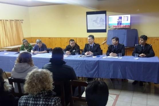 Personal de la Seccional Tercera se reunió con las juntas vecinales