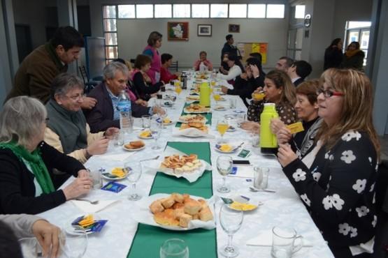 Homenaje a los escritores y reconocimiento para Jorge Luis Vázquez