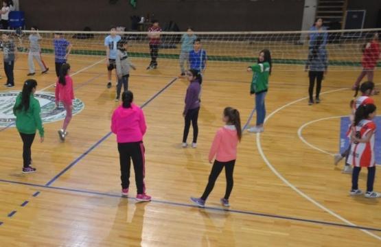 Más de 120 alumnos en el encuentro de Vóley