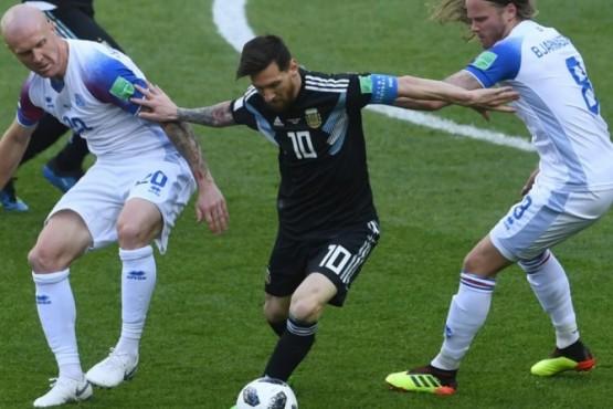 Argentina no pudo mantener la ventaja y empate ante Islandia