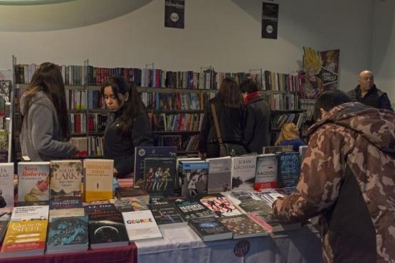 El público acompañó en la segunda jornada de la Feria del Libro