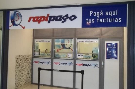 Roban $ 2400 en efectivo y dos notebook de un Rapipago