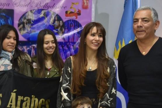 Profesora de danzas árabes viajó a Egipto para asistir a festival