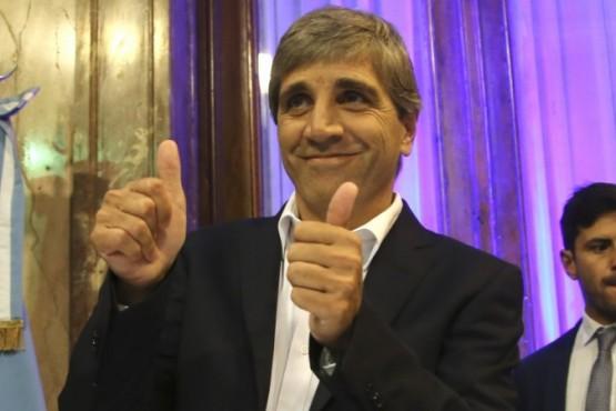 Caputo vendió sus Lebac y compró dólares antes de la devaluación