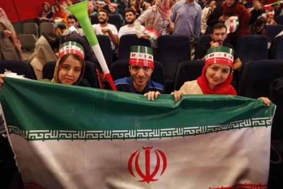En Irán las mujeres vuelven a un estadio