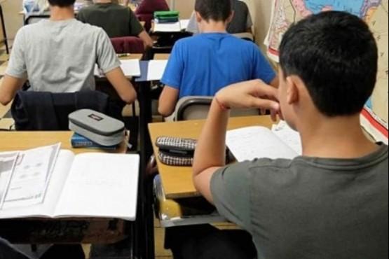 Una profesora fue detenida por tener sexo con un estudiante de 14 años
