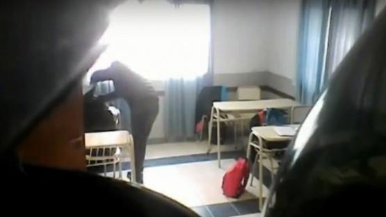 Insólito: profesor le robaba a los alumnos