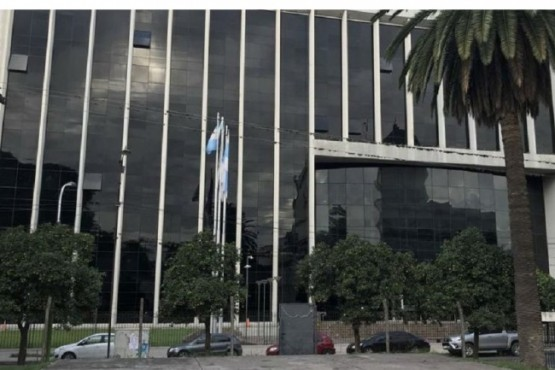 Dejaron un bidet abierto durante dos días y se inundó la Legislatura tucumana