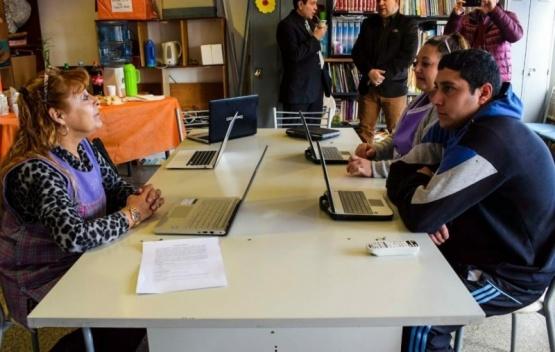 """Tecleando oportunidades"" ofrece a trabajadores capacitación informática"