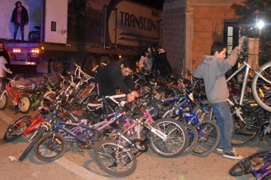 Envían 156 bicicletas a chicos residentes en El Impenetrable