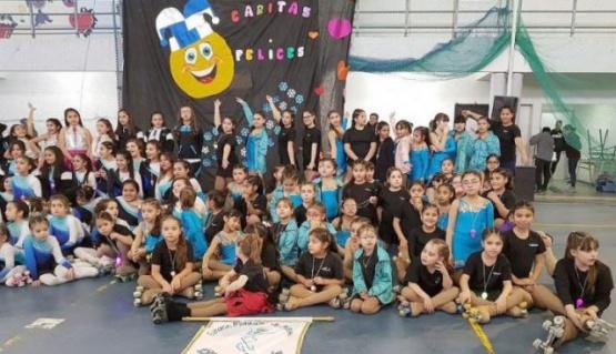Escuela de patín artístico de Caleta realizó capacitación