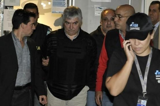 Autorizan a Lázaro Báez a viajar por el fallecimiento de su madre