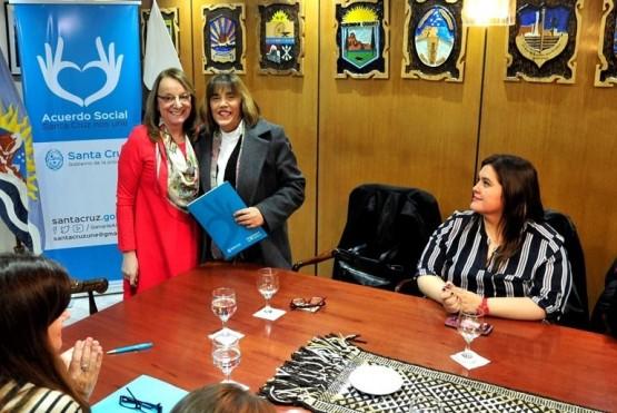 Santa Cruz formalizó adhesión al Plan de Acción contra la Violencia hacia las Mujeres