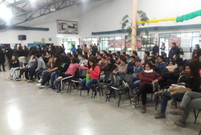 Cerca de 150 asistentes.