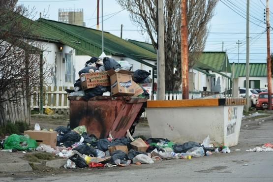Vecinos de las 366 viviendas reclamaron por la