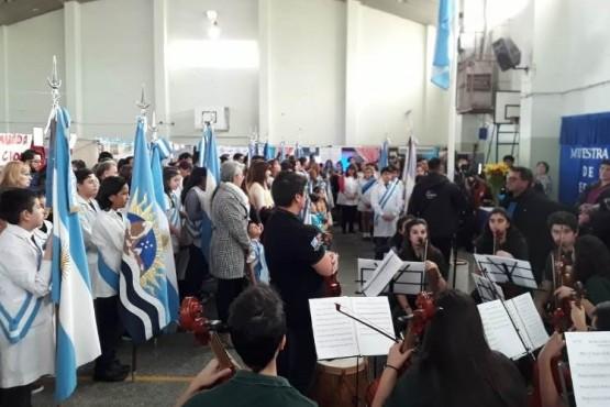 Muestra por los 60 años de Santa Cruz en Caleta Olivia