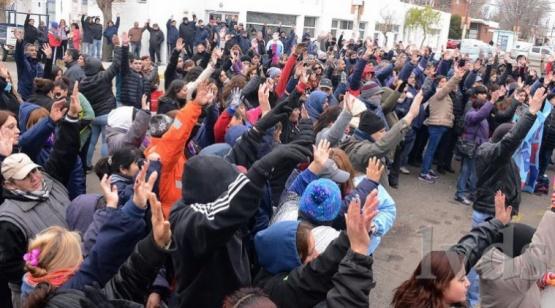 Caleta Olivia:Municipales rechazan oferta de 2 mil pesos no remunerativos