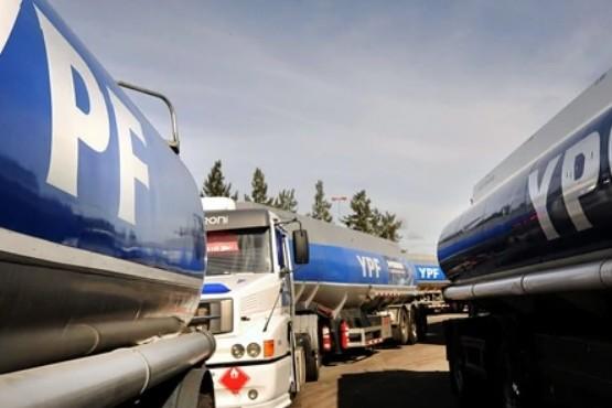 Por falta de rentabilidad, las petroleras reclaman aumentos y restringen la entrega de combustible