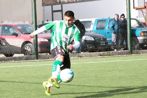 El joven sueña con llegar bien alto en el fútbol.