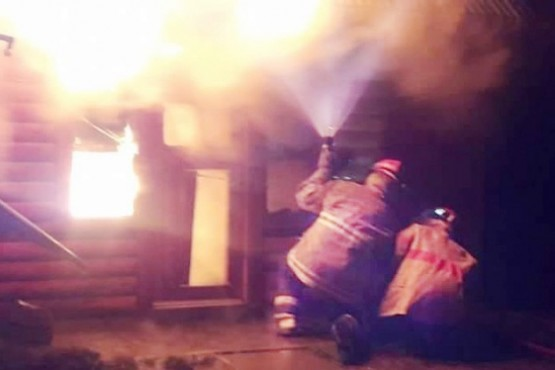 Incendio en cabaña de camping municipal