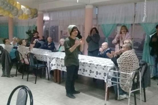 Hogar de Ancianos de Caleta Olivia recibe abrazo solidario
