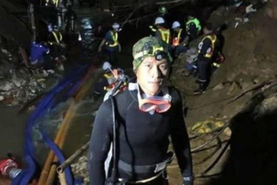 Muere un buzo que ayudaba a los niños atrapados en una cueva