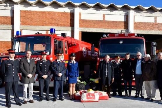 PAE entregó equipamiento para los bomberos voluntarios del Cuartel Central