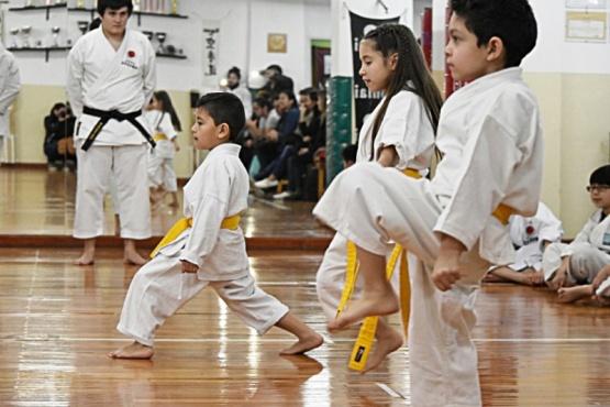 Karatecas rindieron el primer examen anual