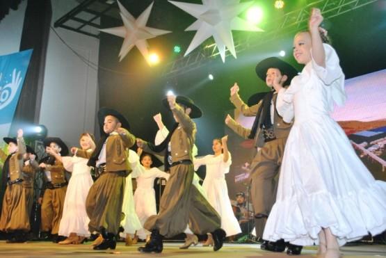 Pasó la primera jornada del Festival Popular por el Día la Independencia
