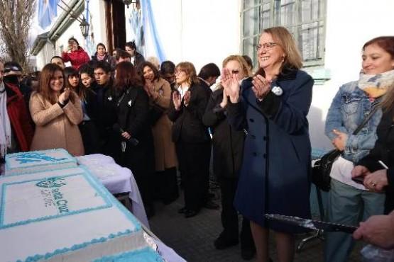 """Alicia Kirchner llamó a """"trabajar muy fuerte para reconstruir la provincia"""""""