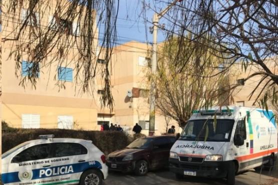 Hallaron muertos a balazos a una joven policía y a su novio en un departamento