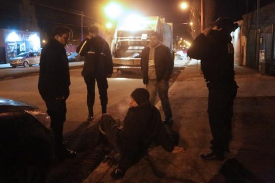 Denunciaron que un municipal fue atropellado y que el auto se dio a la fuga