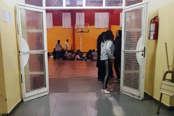 Sentada de alumnos en el Secundario 26