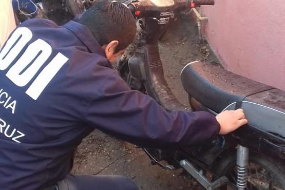 DDI recupera una moto robada y demora a dos menores