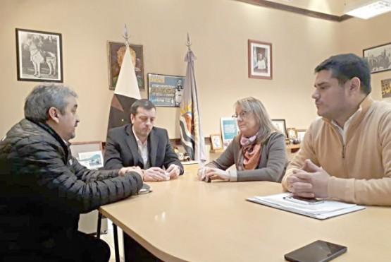 """La """"mediación"""" de la provincia en conflicto municipal y el temor a que intervenga Trabajo"""