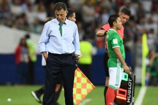 Escándalo en México: el técnico de la Selección llevó a su esposa y a su amante al Mundial