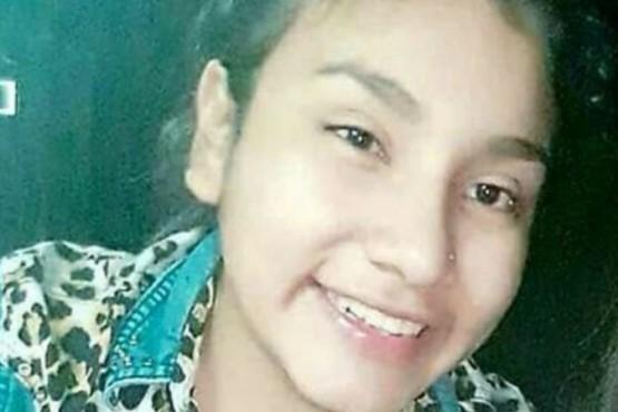 Desesperada búsqueda de una chica de 14 años: creen que un hombre se la llevó
