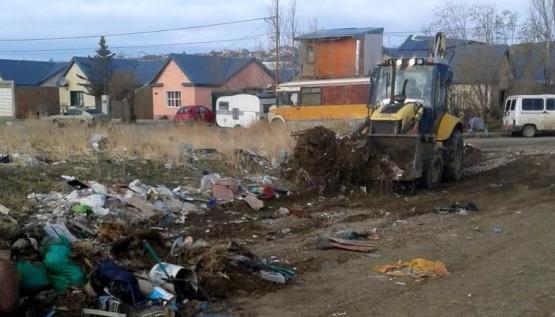 Sigue la limpieza en los barrios de Caleta Olivia
