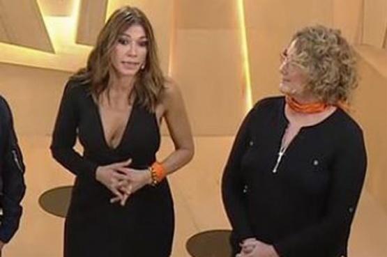 Qué significa el pañuelo naranja que usaron dos actrices durante un programa de TV