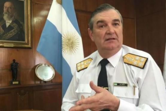 Denuncian por falso testimonio al ex jefe de la Armada