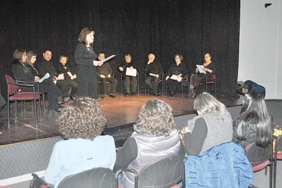 """""""A todo teatro"""" presentó propuestas a beneficio de un vecino de Río Gallegos"""