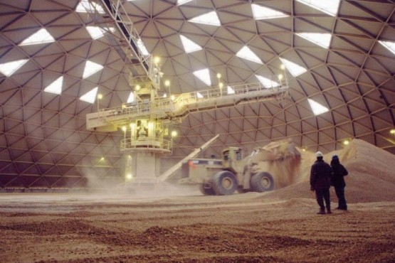 Presidente de Barrick aceptó cargo en minera socia de FOMICRUZ