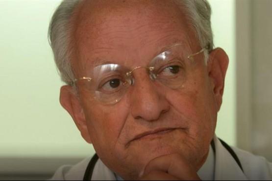 Masivas críticas al médico que dijo que el HIV