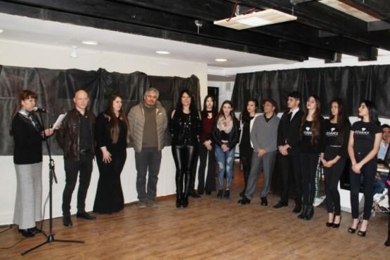 Muestra fotográfica y música en vivo en el Espacio Pluralize Latino